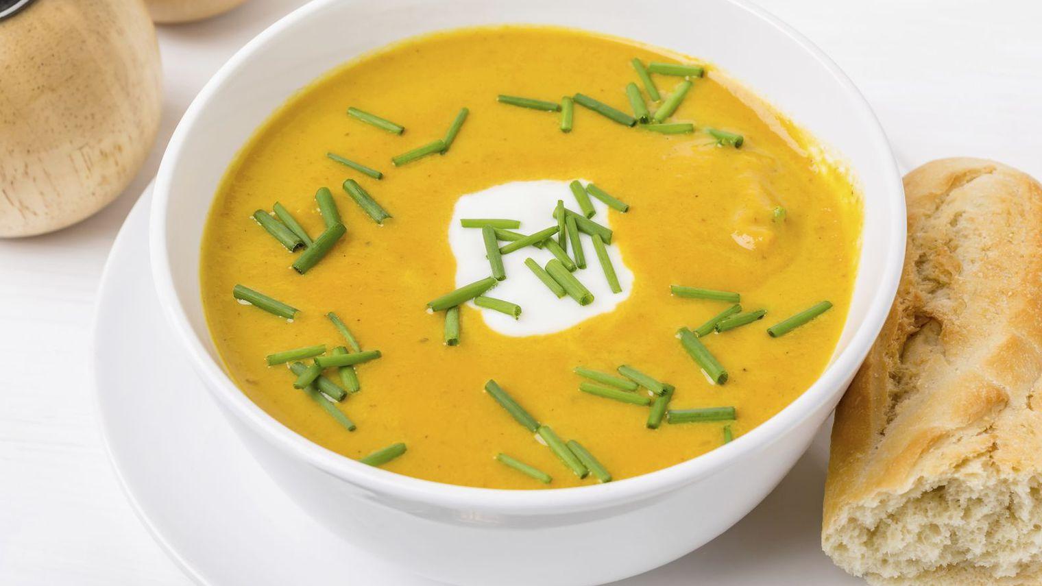 Assiette froide avec au choix 3 préparations végétariennes, au poisson ou à la viande